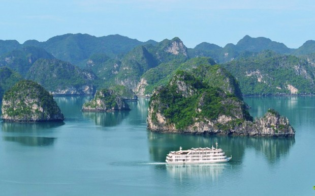 halong-bay-luxury-cruise-overview-1